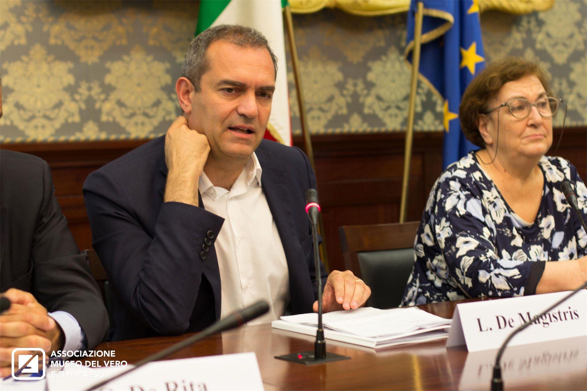 Settimana Nazionale Anticontraffazione | Luigi De Magistris
