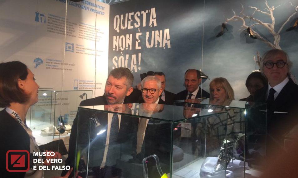 """""""Questa non è una sòla"""" al MICAM di Milano per combattere la contraffazione"""